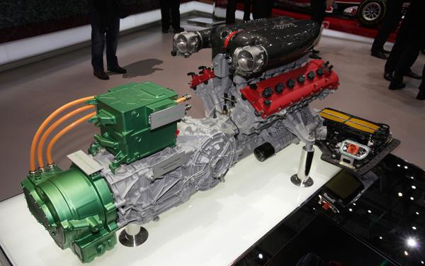 Ferrari-LaFerrari-engine
