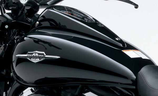 2013-Suzuki-Intruder-C1500T_13