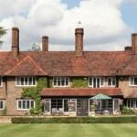 Se vende mansión de Sir Roger Moore por 4,5M€