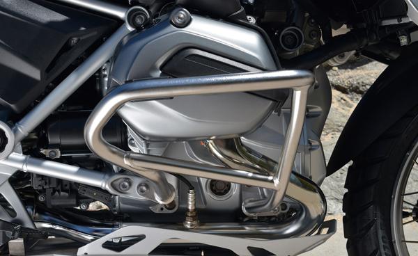 2013-BMW-R1200GS-engine_019