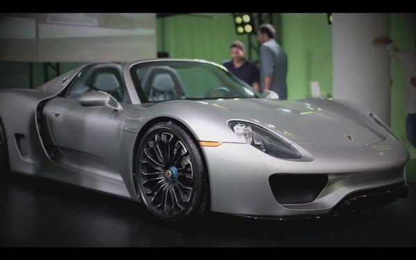 2014-Porsche-918-Spyder-front-three-quarter