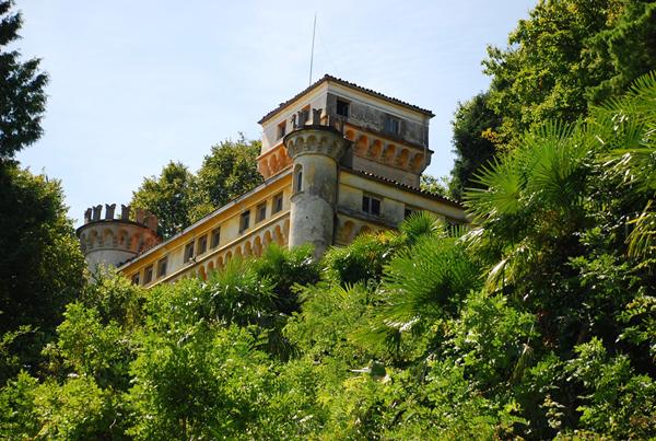 castello pellegrini 01
