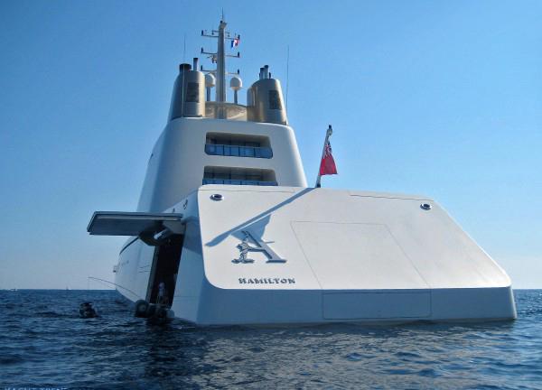 mega-yacht-A-Hamilton