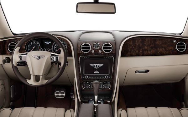 2014-Bentley-Flying-Spur-cockpit