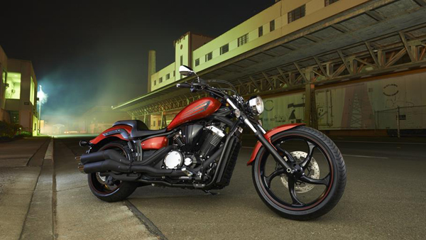 2014-Yamaha-XVS1300-Custom-EU-Liquid-Copper-Static-001