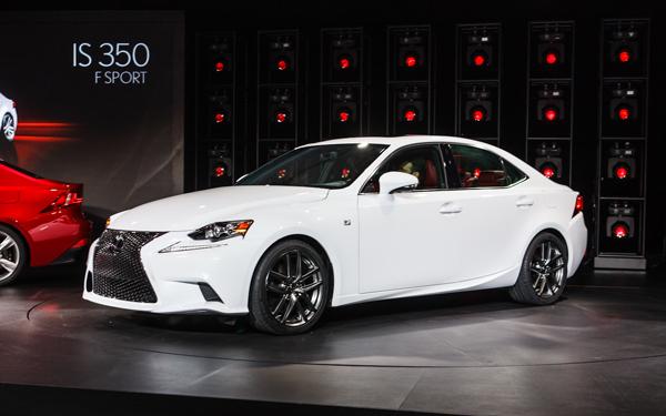 2014-Lexus-IS-350-F-Sport-front-three-quarters-2