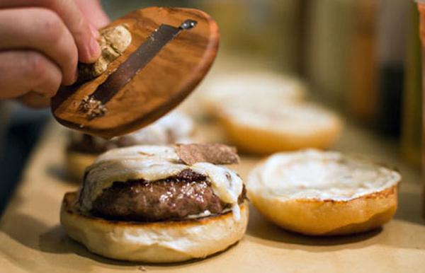 burgerandtruflebianca