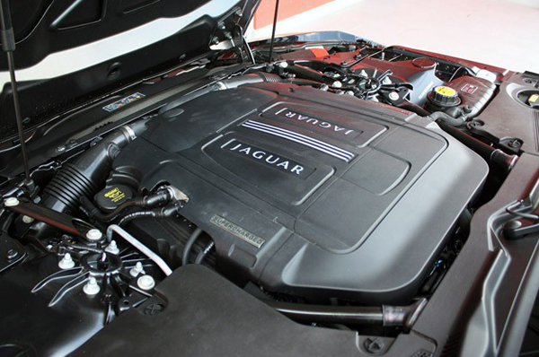 lead6-2014-jaguar-f-type-fd