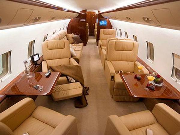 bombardier_challenger-850 interior