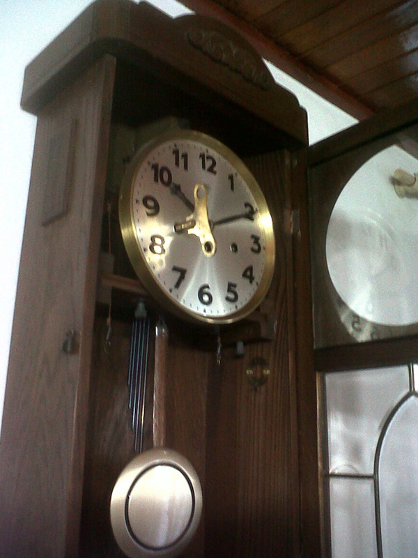 reloj-antiguo-de-pared-junghans-Carrillon