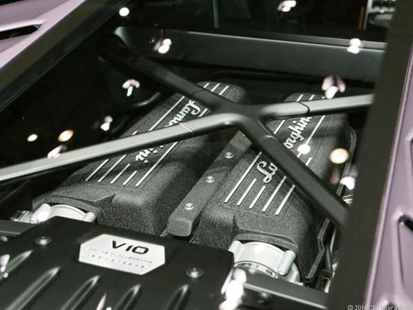Lamborghini_Huracan_motor