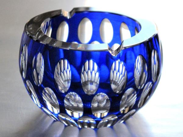 cenicero-cristal-bohemia-encamisado-azul-cobalto