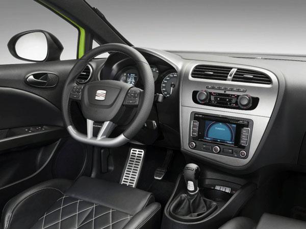 2014-SEAT-Leon-CUPRA-Interior