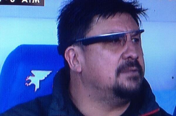 Mono-Burgos-con-las-Google-Glass