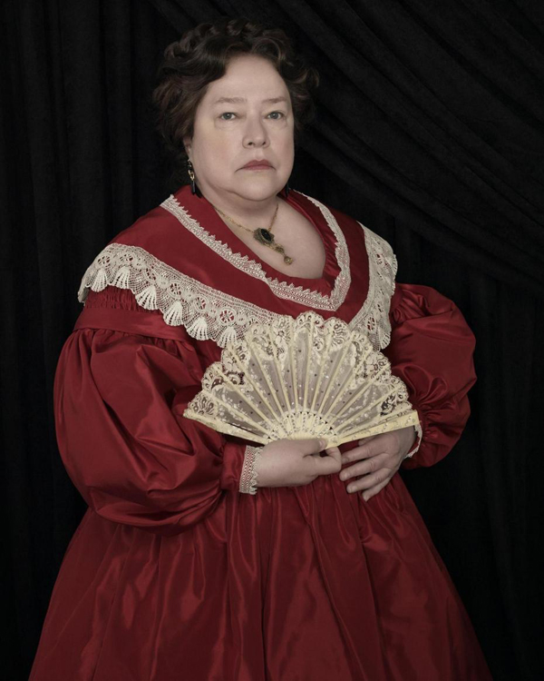 kathy-bates-madame-lalaurie