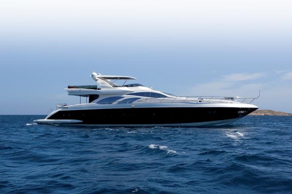 Azimut 100 Leonardo superyacht