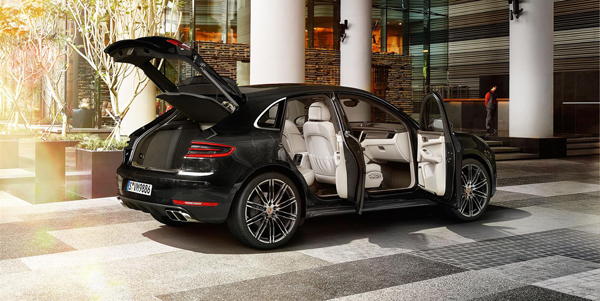 Porsche-Macan-Interior-Side