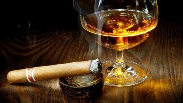 cigarro-y-cognac