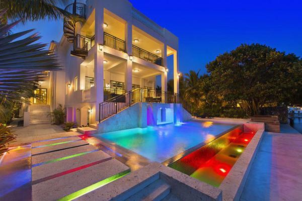 LeBron James Lists Florida Mansion for $17 Million