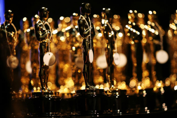 oscars-2015-nominee-gift-bags-packed-with-jewelry-italian-getaway-and-a-vibrator