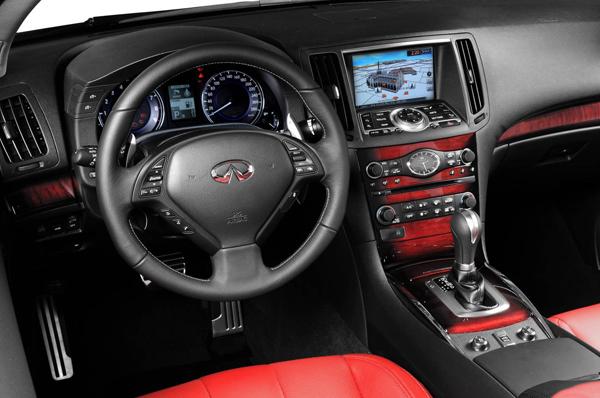 infiniti_q60_convertible_monaco_red_interior-2