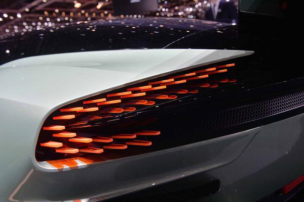 Aston-Martin-Vulcan-2015-Geneva-Motor-Show-15
