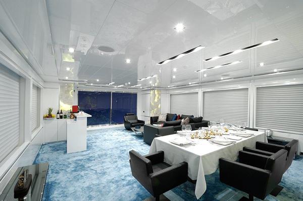 Motor yacht SERENITAS - Saloon