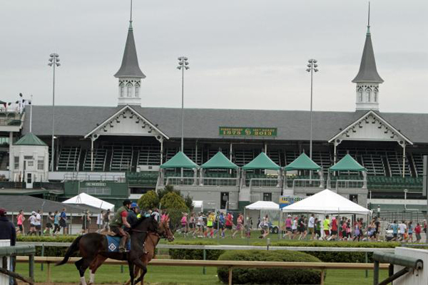 churchill_downs calentamiento