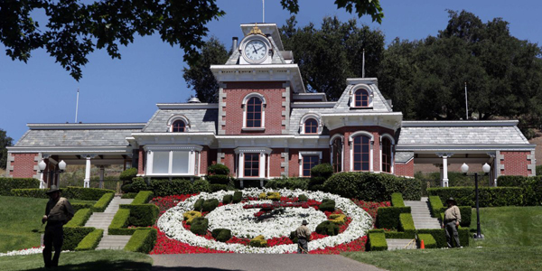 neverland-ranch-train-station