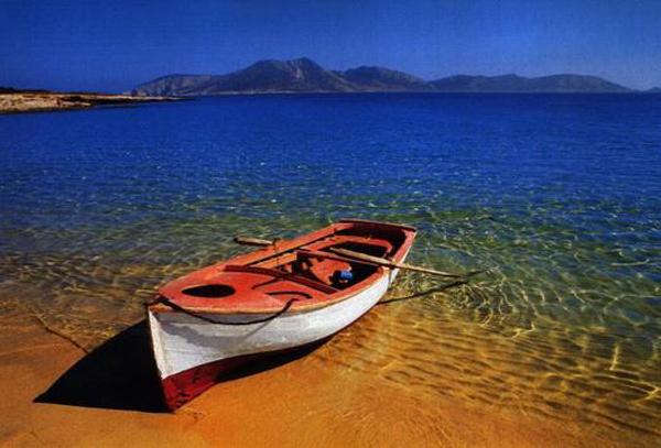 Grecia vende islas a famosos para pagar su deuda