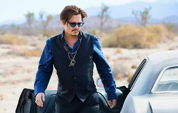 Johnny-Depp-Sauvage-Dior-770x490