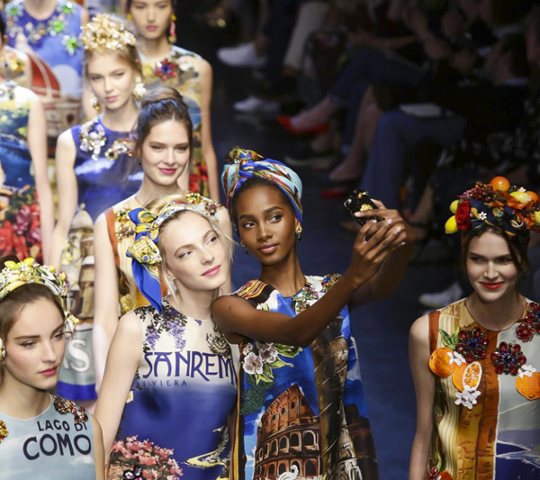 Dolce Gabbana Fahions Show Ready to Wear Collection Spring Summer 2016 in Milan