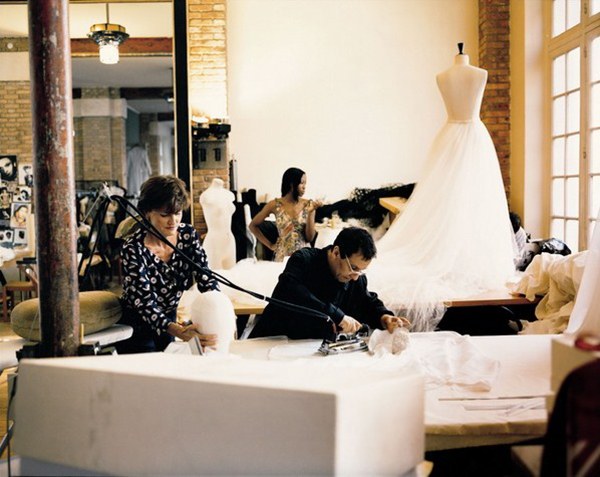 Alaia-in-his-ateliers-in-Paris