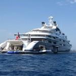 Serene-luxury-yacht-Beach-club