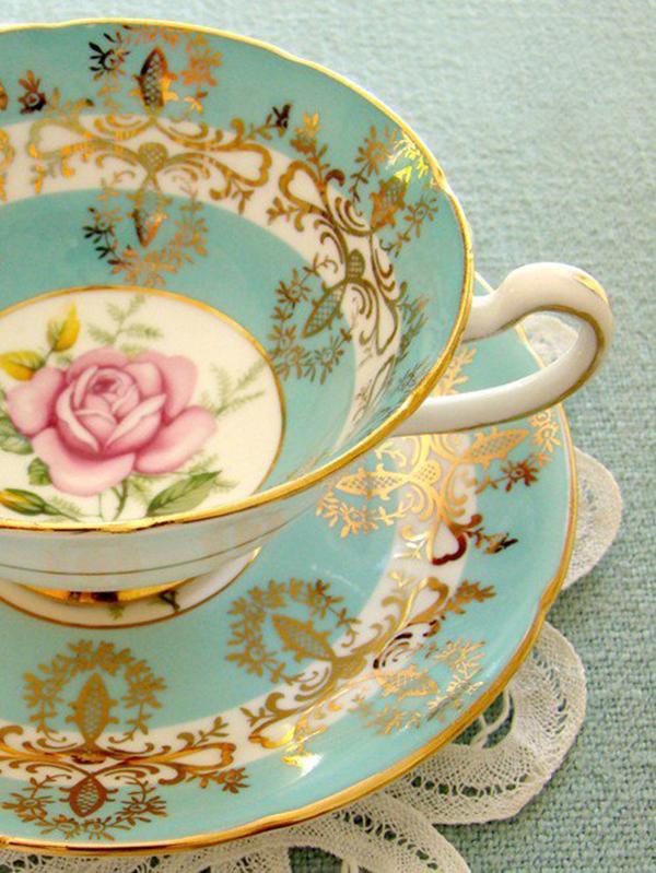 taza y plato oro porcelana