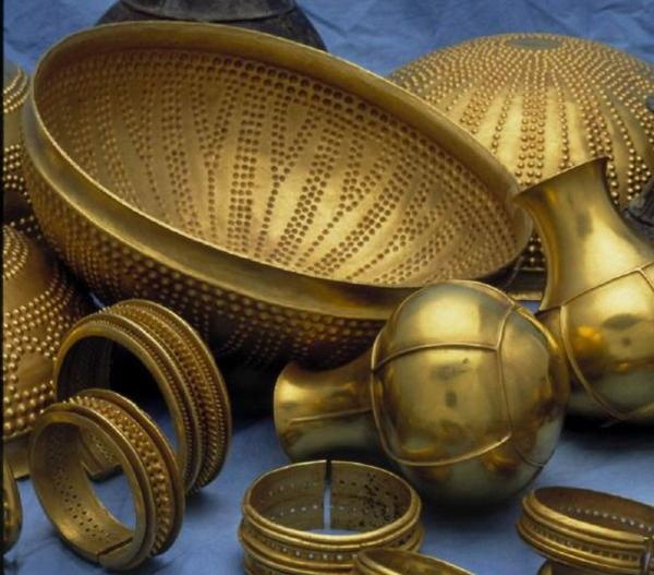 Una vajilla de oro puro - estilos de vida - estilos de vida