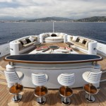 yacht-serene-bar cubierta
