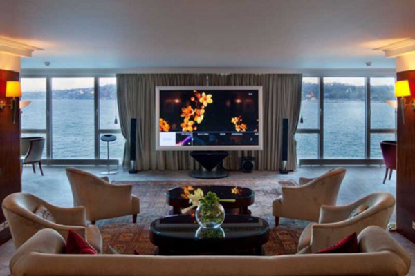 Hotel-President-Wilson's-Royal-Penthouse-Suite-4