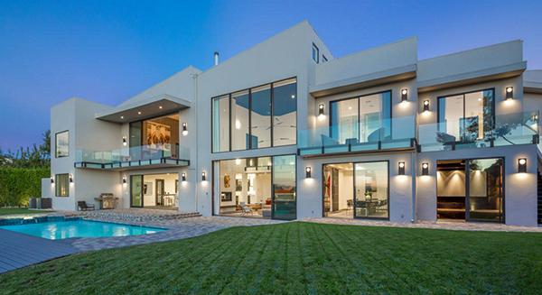 John_Legend_Chrissy_Teigen_Beverly_Hills_home