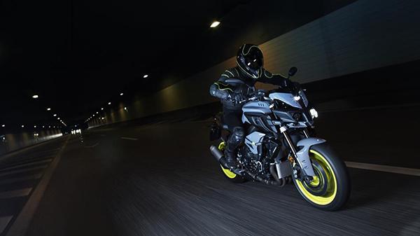 2016-Yamaha-MT-10-EU-Night