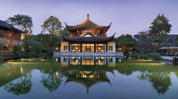 PropertyImage-FourSeasonsHotelHangzhou-Hotel-1-Exterior-CreditFourSeasons
