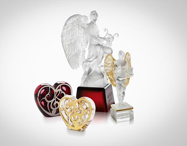 elton-john-music-is-love-auction-paddle8-Lalique-sa