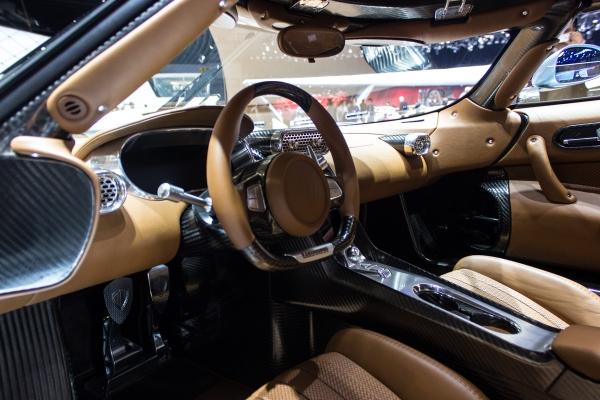 Koenigsegg Regera Interior Estilos De Vida Estilos De Vida