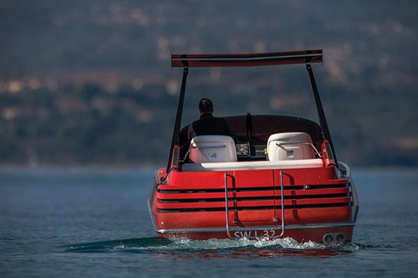1990-Riva-Ferrari-32-Speedboat-5