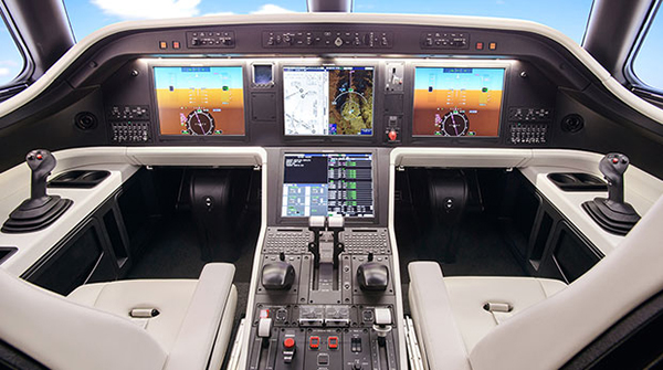Legacy_500_Midsize_Private_Aircraft_Cockpit