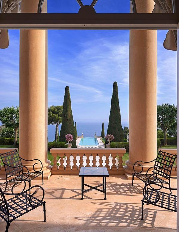 Comprar un palacio en la Costa Azul francesa