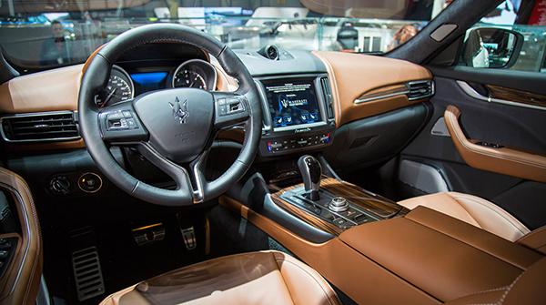 zegna-maserati-levante-partnership-car-interiors-accessories_1