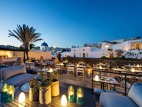 Alati-Restaurant---Vedema-a-Luxury-Collection-Hotel-Santorini-Greece-1