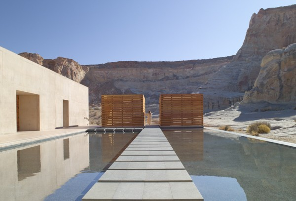giri_aman_spa_reflection_pool_1400x600