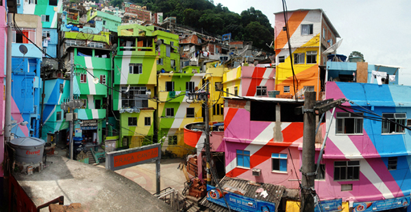 01-CM-Favela-Painting-LoRes1